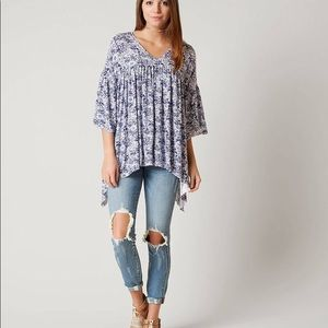 BKE Buckle blue Floral Ruffle Sleeved top large